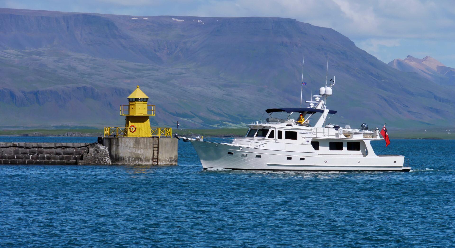 6. P1040979 Venture entering Reykjavik harbour