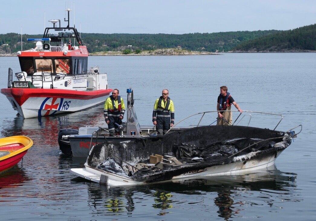 Brannskadd båt 2