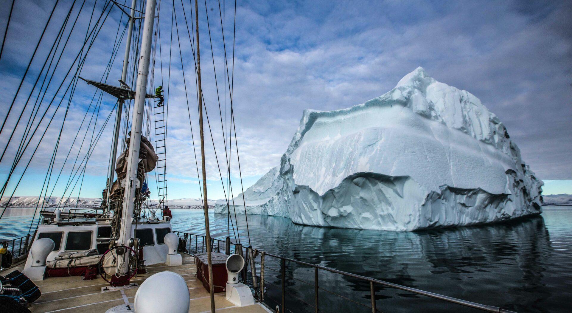 I isfjellenes territorie. Fotoꓽ Ben Cooke