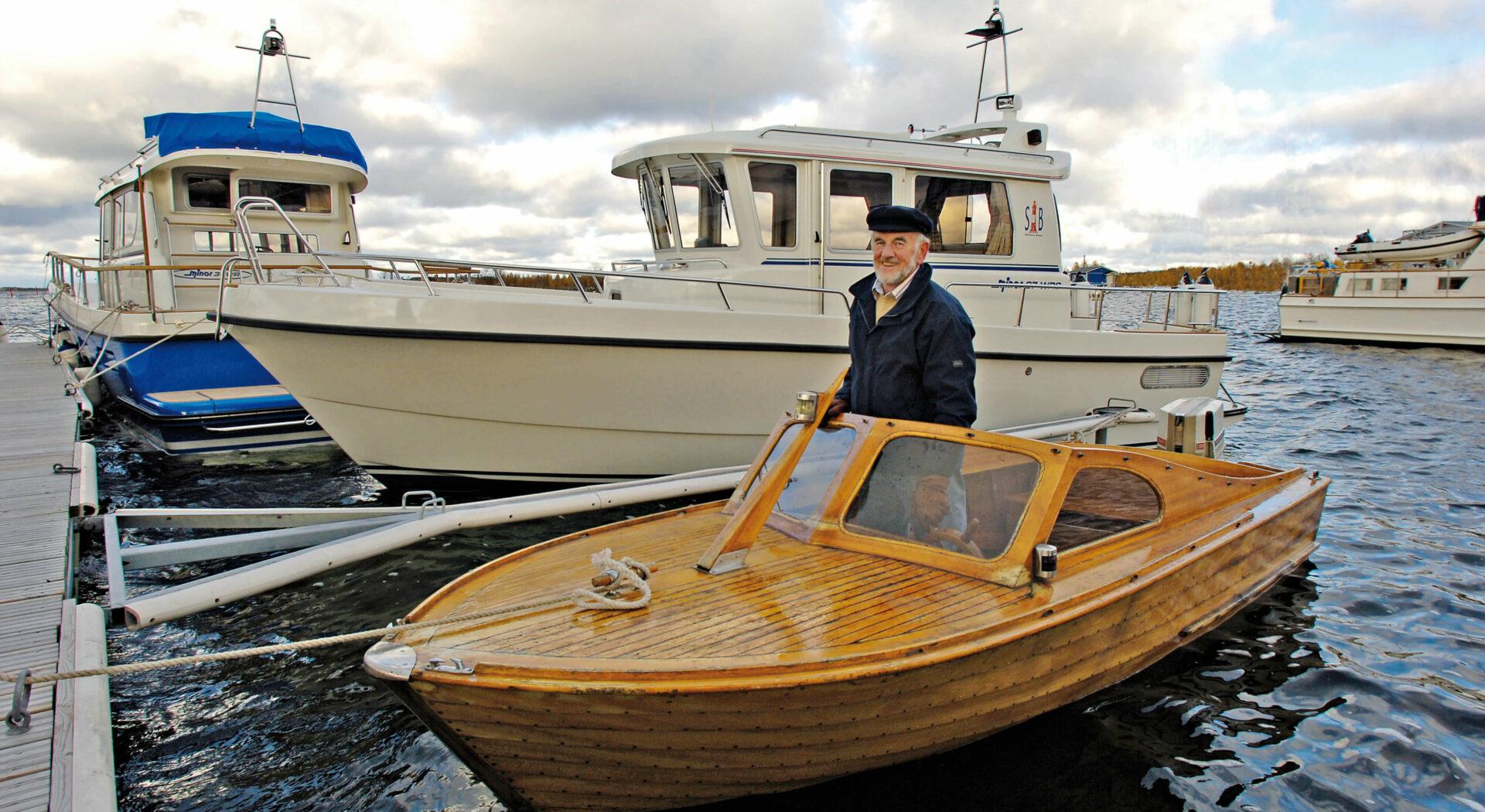Mahogny båt nr 1