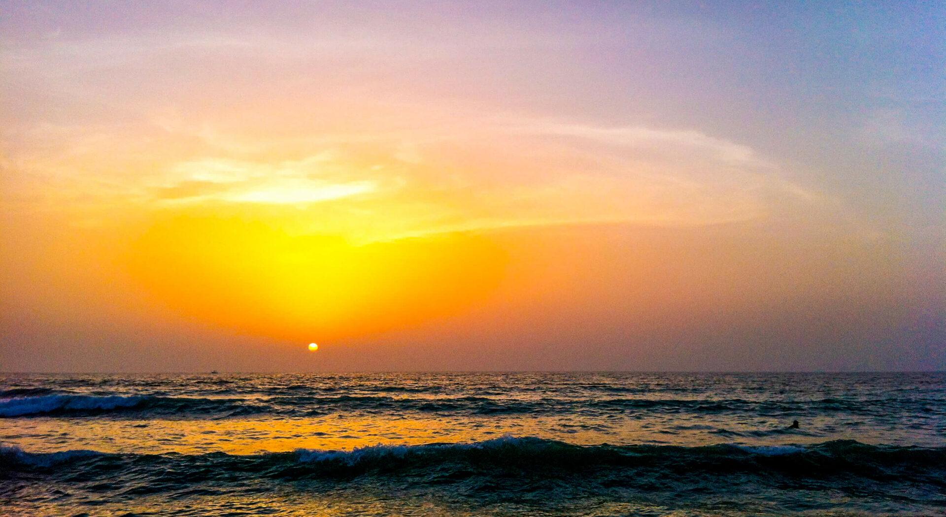Solnedgang Ras Al-Khaimah_red
