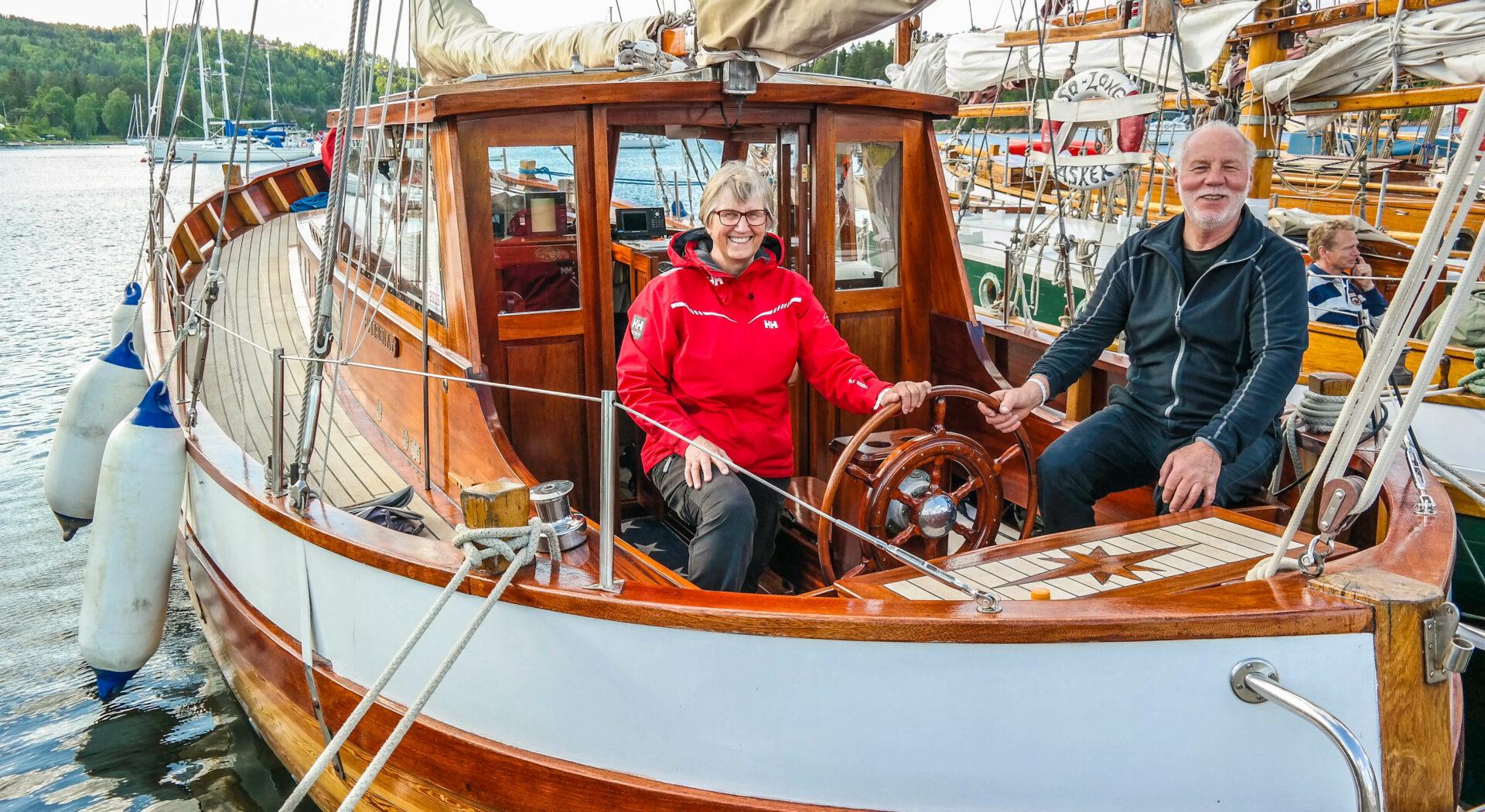 Trebåt Familien Stensen med båt_red