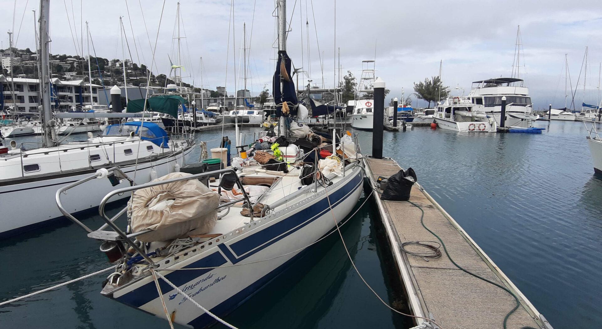 Vi endevendte båten og kvitta oss med nesten et halvt tonn skrot! Det syntes på vannlinjen. Fotoꓽ Amanda Sailing